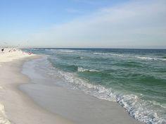 White beaches of Destin, FL