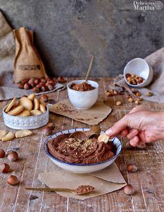 Hummus de cacao Tostadas, Hummus, Armenian Recipes, Armenian Food, Cocoa, Cereal, Easy, Vegan, Breakfast