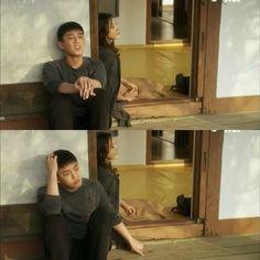 Sun Jae seperti tidak mau berpisah dengan Hye Won dia mengenggam erat tangan Hye Won dan berharap kalau ia bisa terus bersama Hye Won