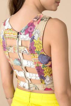Top cropped estampado wahini - 02015779 oh, boy! Saree Blouse Neck Designs, Fancy Blouse Designs, Kurti Neck Designs, Costura Fashion, Moda Fashion, Women's Fashion, Stylish Blouse Design, Indian Designer Outfits, Blouse Styles
