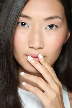Have You Heard of the Negative Space Nail Trend? These Pics Prove It's a Must-Try (Linear Equations)