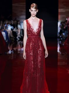 """PARIS, Jul --- With the royal baby enthusiasm at fever pitch, Elie Saab's """"Royal Affair"""" haute couture collection hit the right chord and thus creatin Elie Saab Couture, Beautiful Gowns, Beautiful Outfits, Elie Saab Kleider, Elie Saab Dresses, Elie Saab Fall, Colored Wedding Dresses, Designer Gowns, The Dress"""