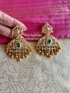 Gold-Schmuck-Design in pakistan Gold Jhumka Earrings, Indian Jewelry Earrings, Gold Earrings Designs, Gold Jewellery Design, Ear Jewelry, Diamond Jewellery, Gold Jewelry Simple, Silver Jewelry, Silver Ring