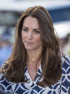 Kate Middleton Photos Photos: Prince William and Kate Middleton in Christchurch — Part 5 Duchess Kate, Duke And Duchess, Duchess Of Cambridge, Kate Middleton Hair, Kate Middleton Photos, Prince William Family, Prince William And Catherine, Princess Elizabeth, Princess Kate