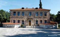 Το παλαιό Δημοτικό Σχολείο Πανοράματος Thessaloniki, Women In History, Mansions, Architecture, House Styles, Life, Woman, Home Decor, Arquitetura