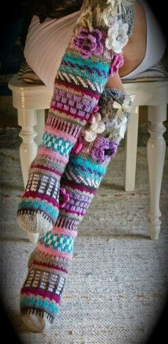 Fair Isle Knitting, Knitting Socks, Hand Knitting, Knitting Patterns, Crochet Patterns, Beginner Knitting Projects, Knitting For Beginners, Crochet Projects, Crochet Slippers