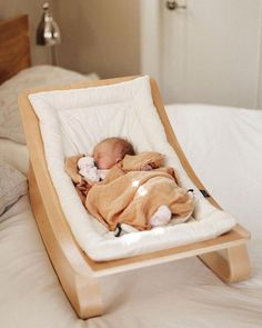 Fantastic baby arrival info are available on our internet site. look at this and you wont be sorry you did. Baby Bouncer, Designer Baby, Baby Design, Siege Bebe, Baby Lernen, Fantastic Baby, After Baby, Baby Arrival, Baby Needs