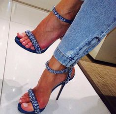 Toes in Jeans & Matching Heels