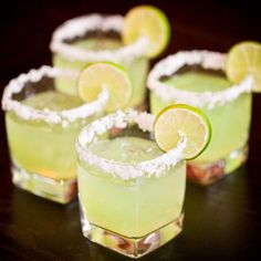 Slim and Sparkling Lemon Lime Margarita Recipe - Low-Calorie Cocktails: 10 Skinny Margarita Recipes - Shape Magazine Yummy Drinks, Healthy Drinks, Yummy Food, Healthy Food, Nutrition Drinks, Healthy Eating, Refreshing Drinks, Tasty, Healthy Recipes