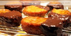 Torrijas con Naranja y Chocolate Spanish Desserts, Spanish Food, Tapas, Chocolate World, Bakery Recipes, Sweet Recipes, Catering, Food Porn, Sweets