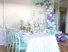 LENZO shares the biggest upcoming kids' party trends for We'll show you how to host your child's best party yet! Birthday Bash, Girl Birthday, Birthday Parties, Themed Parties, Birthday Ideas, Fin Fun Mermaid, Mermaid Kisses, Balloon Installation, Mermaid Parties