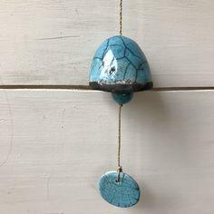 Blij om dit item uit mijn #etsy shop te delen: Beautiful blue raku ceramic bell Diy Wind Chimes, Clay Projects, Project Ideas, Turquoise Necklace, Pendant Necklace, Etsy, Beautiful, Jewelry, Jewlery