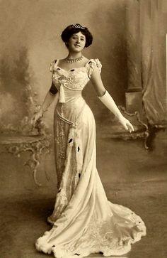 British singer-actress  ISABEL JAY  Edwardian Era.  Vintage