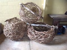 Three wisteria baskets with driftwood handles. Art Projects, Projects To Try, Rustic Baskets, Pine Needles, Wisteria, Basket Weaving, Crafts To Make, Recycling, Fiber