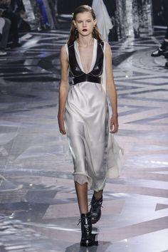 Pin for Later: Les 9 Plus Grandes Tendances Sorties de la Fashion Week de Paris  Louis Vuitton