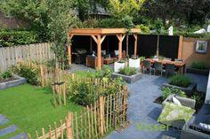 Met deze loungetuinen wordt het ultiem genieten! https://www.homify.nl/ideabooks/24944/tuin-voor-de-familie-voor-een-fijne-zomer