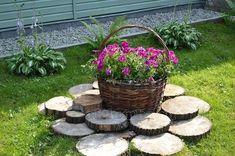 Cvijeće - ukras za dvorište - Recepti na brzinu Front House Landscaping, Garden Landscaping, Garden Trees, Garden Art, Small Gardens, Outdoor Gardens, Child Friendly Garden, Garden Sitting Areas, Garden Nursery