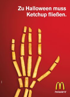 Advertising Campaign : McDonald's wishes you a happy Halloween in German. Ads Creative, Creative Advertising, Creative Posters, Advertising Design, Guerilla Marketing, Street Marketing, Advertising Poster, Advertising Campaign, Marketing And Advertising