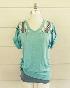 #DIY Stud T-shirt. No sew! http://www.handimania.com/diy/stud-t-shirt.html