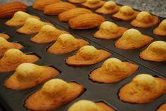 """Souvenir d'enfance, les madeleines fraîches """"Miel et vanille"""" qui nous rappellent à tous de bons souvenirs."""