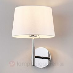 Smuk væglampe Dorothea med hvid stofskærm 9976014