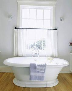 French-Style Pedestal Bathtub