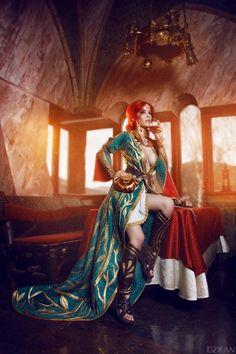The Witcher 3 - Triss Merigold cosplay by Disharmonica (Helly von Valentine) on DeviantArt Triss Cosplay, Triss Merigold Cosplay, Fantasy Girl, Chica Fantasy, Fantasy Art Women, The Witcher Wild Hunt, The Witcher Game, Witcher Triss, Witcher Art