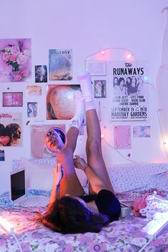 lovely dorm room bedroom ideas to décor to the next level 12 ~ my. lovely dorm room bedroom ideas to. Cute Room Ideas, Cute Room Decor, Neon Room Decor, Room Ideas Bedroom, Bedroom Decor, Mirror Bedroom, Cozy Bedroom, Bedroom Inspo, Tumblr Rooms
