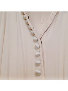 #bytimo #bytimovintage Vintage Outfits, Pearl Necklace, Pearls, Beautiful, Jewelry, Fashion, String Of Pearls, Moda, Jewlery