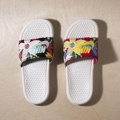 Nike Benassi Slides 'Floral' - Order Online at the Nike Store