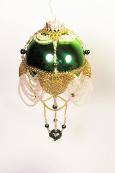 Hot Air Balloon Ornament No.4, Beading Tutorial in PDF via Etsy $8.00 -- NOTE: this etsy site has several ornament tutorials for sale