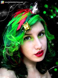 Discover how this festive Christmas tree hairstyle was created, what colours where used and how it was styled: https://www.rainbowhaircolour.com/christmas-tree-hair/      #ChristmasTree #greenhair #ChristmasTreehair