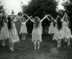 🌚🌑🌒🕷💃🏼It's today witches! (Spring Dancers by Clement Moran) Magick, Witchcraft, Witch Coven, Sup Yoga, Vintage Witch, Vintage Halloween, Halloween Table, Halloween Signs, Vintage Holiday