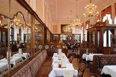 Apple Strudel at Cafe Mozart - Vienna Interior Design History, Cafe Interior Design, Vienna Waits For You, Vienna Cafe, Coffee Shop, European Cafe, Restaurants, Cafe Bistro, Vienna Austria