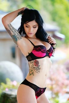 Model : Gaia Rose