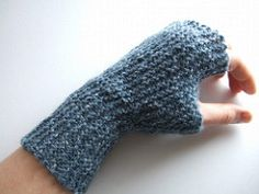 Garter Stitch Mitts by Ysolda Teague Simple garter stitch fingerless mitts knit from side to side and shaped with short rows.