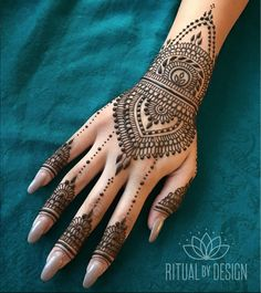 Online shopping for Hennas - Styling from a great selection at Beauty Store. Henna Hand Designs, Eid Mehndi Designs, Pretty Henna Designs, Indian Henna Designs, Mehndi Design Images, Henna Tattoo Designs, Henna Tattoo Hand, Henna Body Art, Henna Mehndi