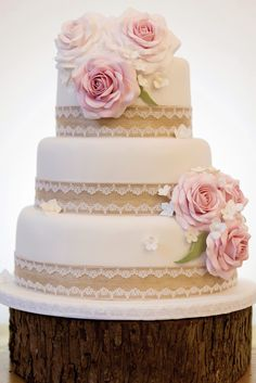 Wedding cakes simple lace pink roses 16 New Ideas Wedding Cake Rustic, Elegant Wedding Cakes, Cool Wedding Cakes, Wedding Cake Toppers, Trendy Wedding, Wedding Cupcakes, Lace Wedding, Tiara Cake, Three Tier Cake