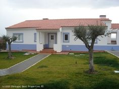 3 bedroom Villa in Bombarral, Silver Coast, Portugal - Large plot (1,200 sq m) with more than enough space for swimming pool.  Spectacular country views. Near beaches and golf courses, approx. 45 min. from Lisbon. - http://www.portugalbestproperties.com/component/option,com_iproperty/Itemid,8/id,78/view,property/#