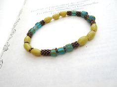 Bracelet : anciennes perles verre ....