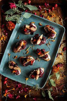 Caramelized Cranberry Onion Crostini - Heather Christo Light Appetizers, Appetizer Recipes, Gluten Free Thanksgiving, Seasonal Celebration, Balsamic Glaze, Fresh Ginger, Caramelized Onions, Holiday Recipes, Dairy Free
