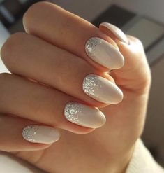 False nails have the advantage of offering a manicure worthy of the most advanced backstage and to hold longer than a simple nail polish. The problem is how to remove them without damaging your nails. Trendy Nails, Cute Nails, My Nails, Fancy Nails, Bride Nails, Prom Nails, Bride Wedding Nails, Weding Nails, Wedding Hair
