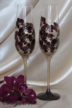 Hand Painted Glasses, Wedding Flutes, Purple Wedding, Anniversary gift, Purple Orchid, Personalized gift, Set of 2