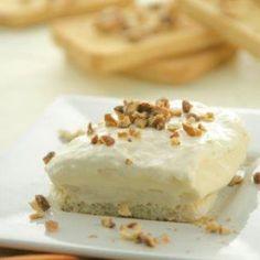 Dessert with toast and cream - iCookGreek Greek Sweets, Greek Desserts, Cold Desserts, Greek Recipes, Pastry Recipes, Cookbook Recipes, Cooking Recipes, Greek Cake, Greek Cooking