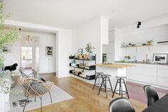 Una cocina 2 encimeras encimeras de madera encimeras de cocina cocinas nórdicas cocinas modernas cocinas blancas cemento pulido blog decoración nórdica blog decoracion interiores