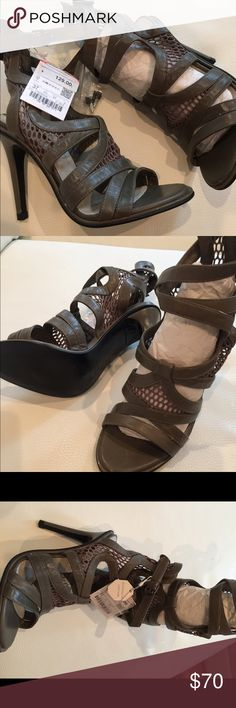 ZARA OLIVE GREEN HIGH HEEL SANDAL Brand new with tags, mesh panel details, 100% leather, size 37 Zara Shoes Heels