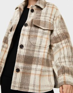 Plaid overshirt - New - Bershka United States Winter Outfits, Casual Outfits, Cute Outfits, Fashion Outfits, Vetement Fashion, Long Winter Coats, Jackets For Women, Clothes For Women, Plaid Jacket