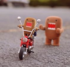 domo get of my motercycle!