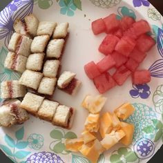 PB & J, Colby Cheese & Wassermelone - Fingerfood Appetizers Healthy Toddler Meals, Toddler Lunches, Kids Meals, Toddler Food, Daycare Meals, Baby Meals, Kid Lunches, School Lunches, Family Meals