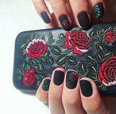inst: @arina_vader blacknails  rosesnails  mattenails